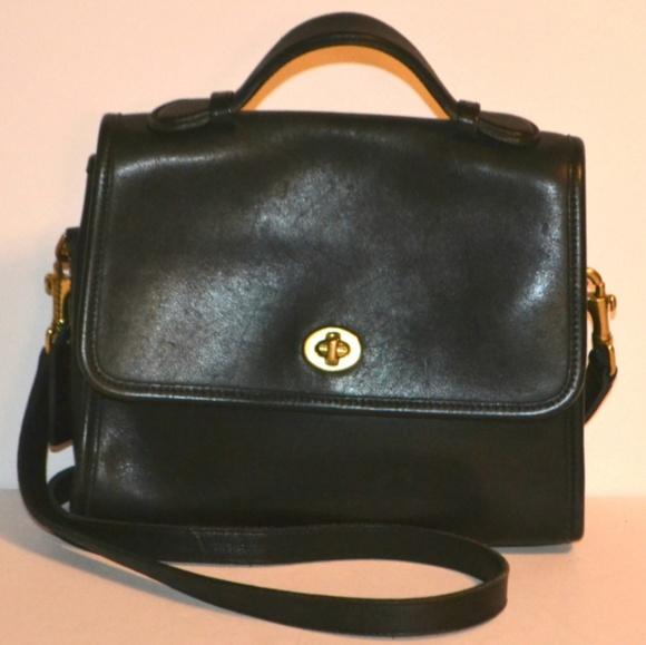 cd5c568a74b5 Coach Handbags - VINTAGE COACH WILLIS COURT CROSSBODY MESSENGER BAG
